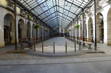 Dit is een van de drie overdekte marktplaatsen in Tolosa die een bezoek op een zaterdag zeer de moeite waard maken. Streekeigen producten, veel keuze, sfeervol en overzichtelijk.