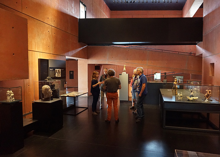 Rondleiding door museum Oteiza